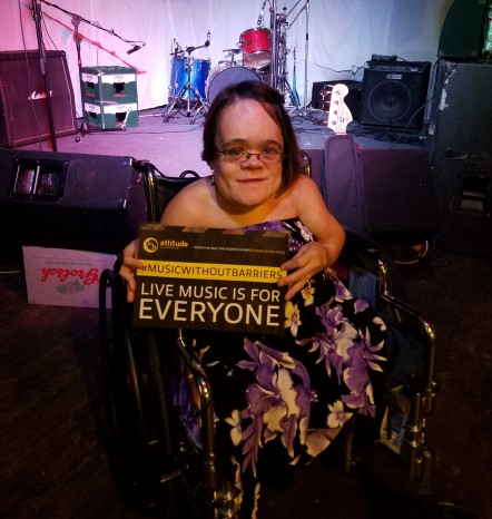 Gaelynn_Lea_Music_Without_Barriers01.jpg